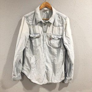 Levis | Light Wash Chambray Pearl Snap Button Down